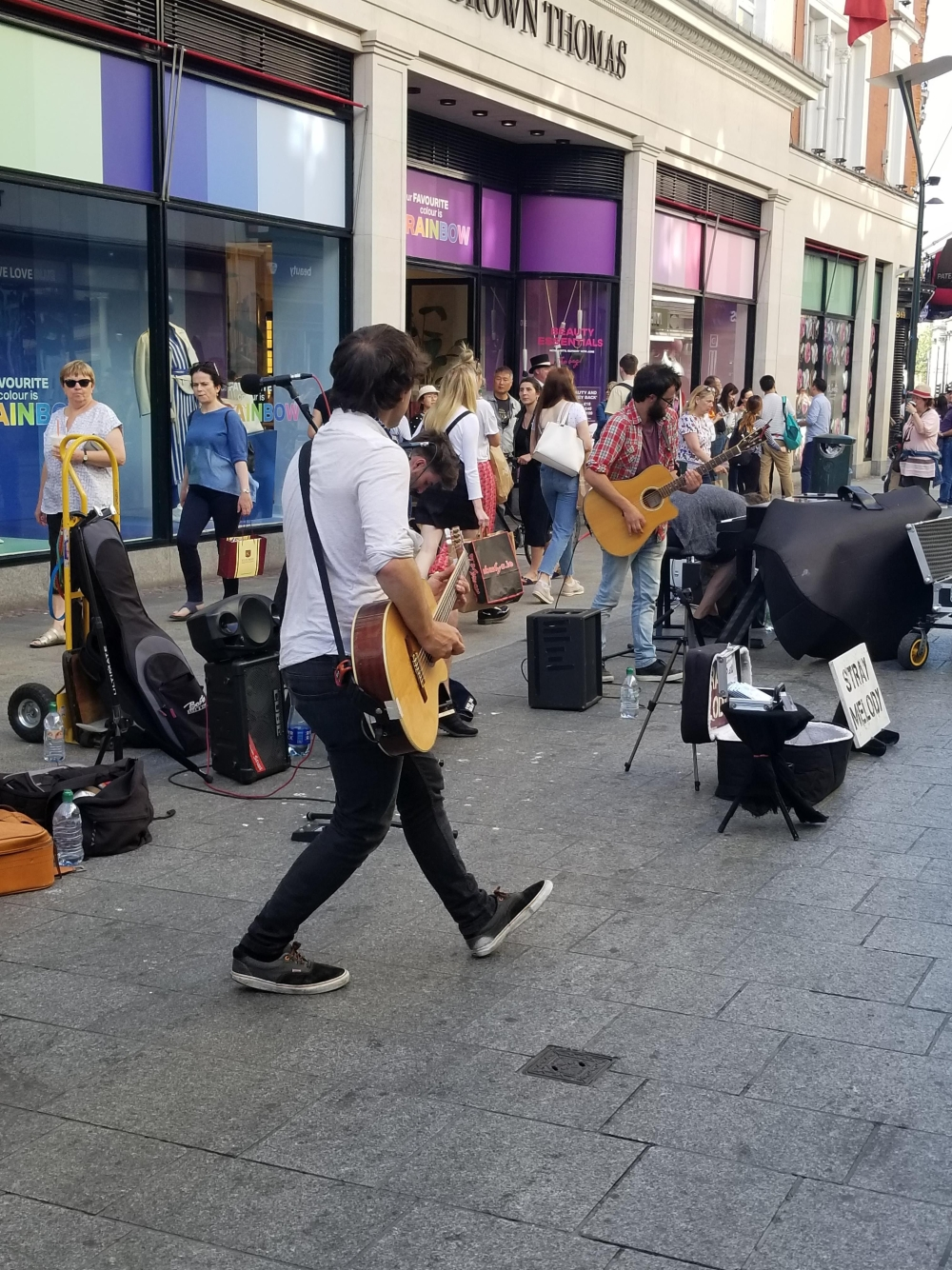 Street Performer1